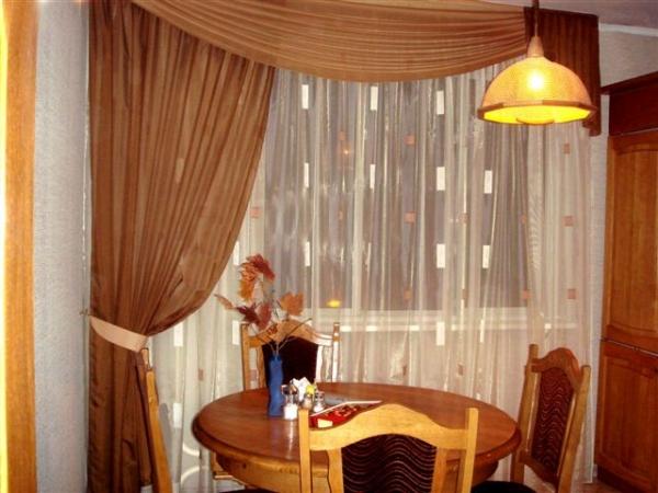 Оформление интерьера с помощью штор и